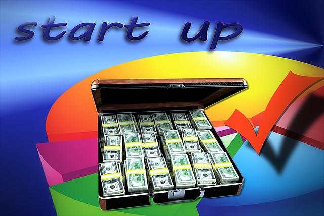 peníze na podnikání, kufr plný bankovek